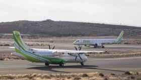 Binter cancela temporalmente los vuelos a La Palma por la nube de ceniza