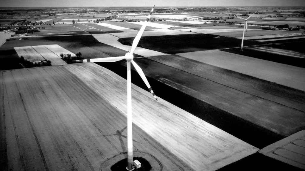 Unos aerogeneradores.