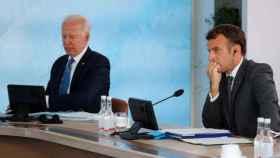 Joe Biden y Emmanuel Macron, en un pleno del G7.