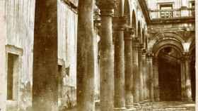 Patio del Alcázar de Toledo en 1857 por Eugène Sevaistre (Archivo Municipal de Toledo)
