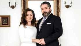 El heredero ruso Jorge Romanov y su ya esposa, la italiana Rebecca Bettarini.
