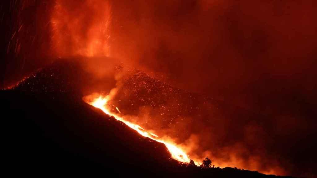 La erupción del volcán de La Palma vista desde Tajuya.