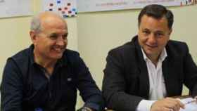 Pepe Reina y Manuel Serrano, autor del artículo