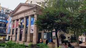 La portavoz 'popular' critica la propuesta de compra del Teatro Principal por la Generalitat.