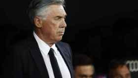 Carlo Ancelotti, en el banquillo del Estadio Santiago Bernabéu