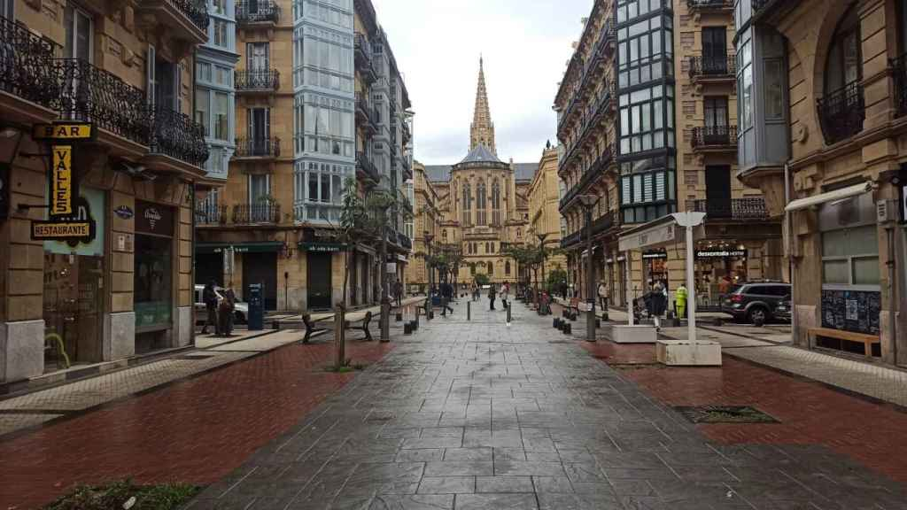 Calle Reyes Católicos de San Sebastián.