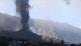 El cono volcánico se rompe por parte suroeste.