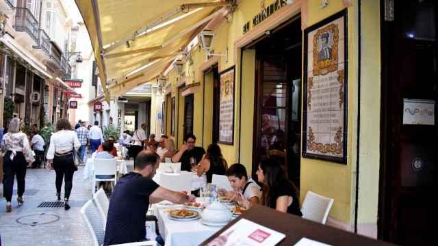 Una imagen de la fachada del restaurante El Chinitas.