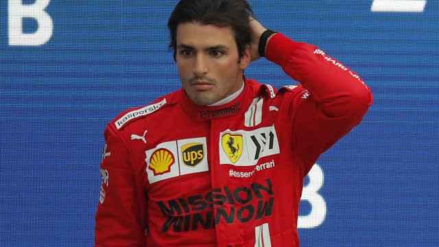 Carlos Sainz en el podio del GP de Rusia