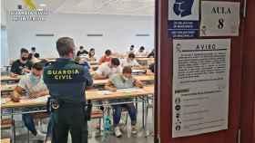 La Universidad de Alicante ha acogido a los miles de aspirantes a entrar en la Guardia Civil.
