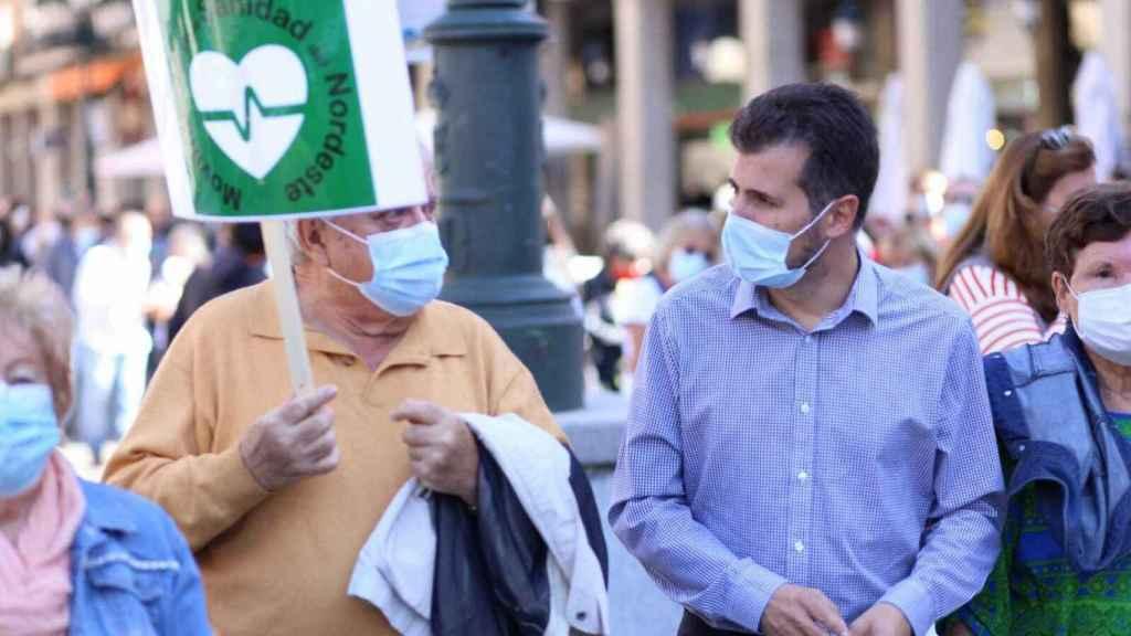 Tudanca defiende en Segovia la sanidad frente a los que quieren recortarla
