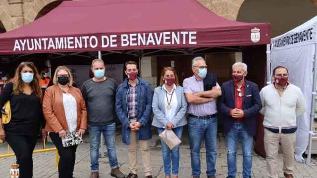 Promotores y participantes de la feria