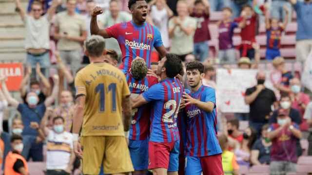 El Barça celebra el gol de Ansu Fati