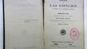 Castilla-La Mancha restaura la primera edición en español del Origen de las Especies de Darwin