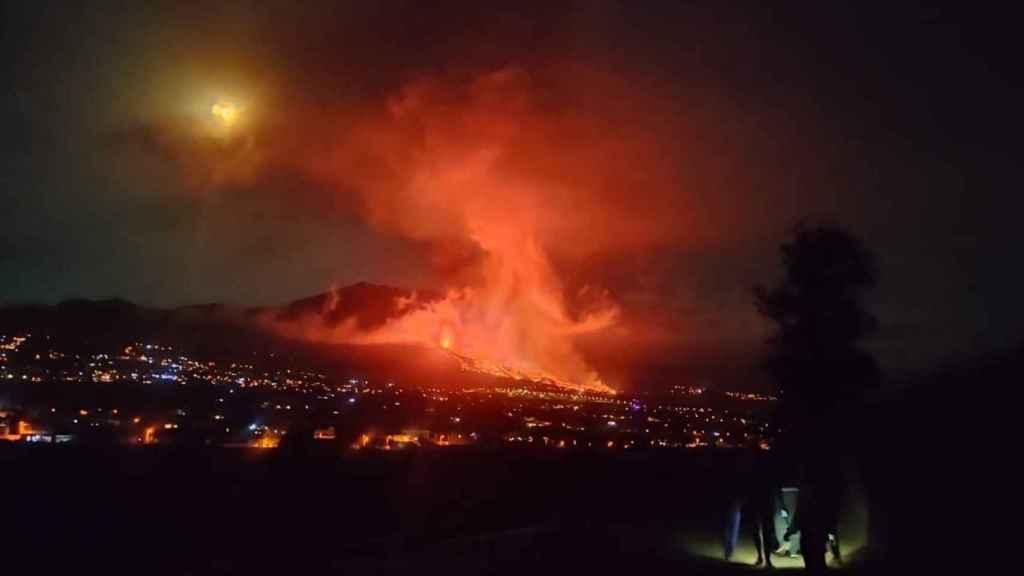 Volcán de La Palma en erupción