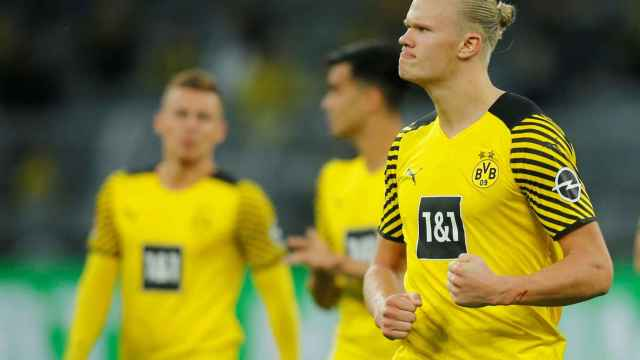 Haaland durante un partido del Dortmund
