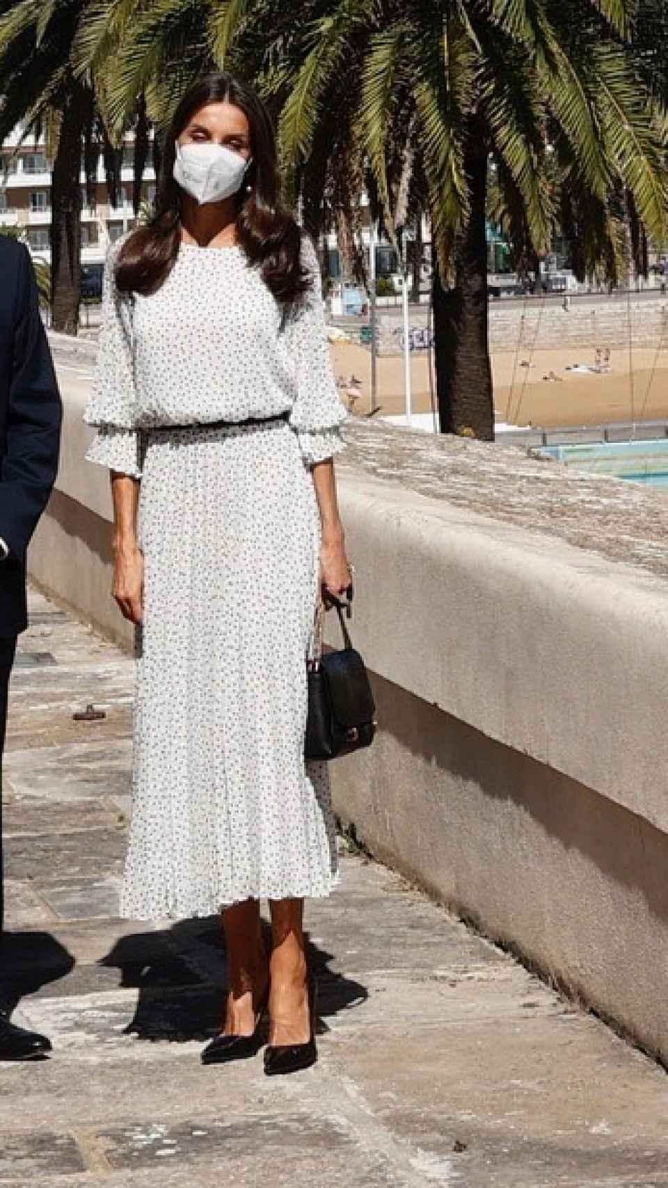 El 'outfit' que ha escogido la Reina para su visita a Lisboa.