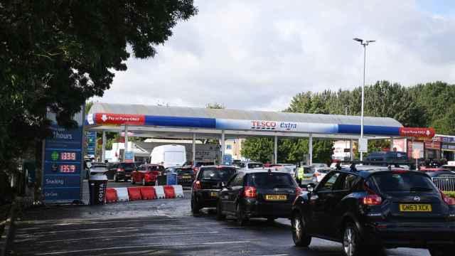 Desabastecimiento de gasolina en Reino Unido.
