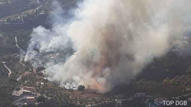 Imagen de las llamas en Frigiliana, en Málaga.