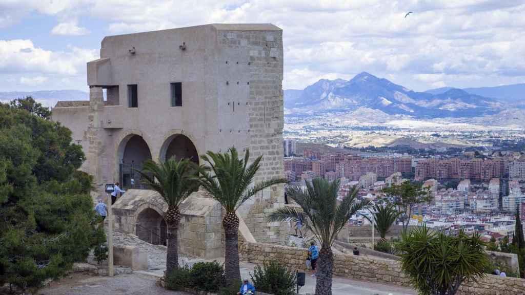 Castillo de Santa Bárbara en Alicante.