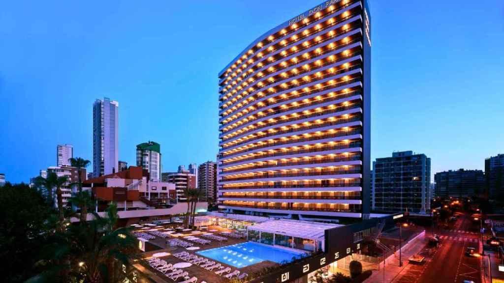 El hotel Don Pancho de Benidorm, distinguido con la placa Docomomo 2021.