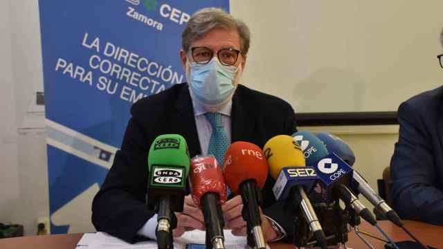 El presidente de la CEOE CyL, Santiago Aparicio en la sede de CEOE-Cyme Zamora