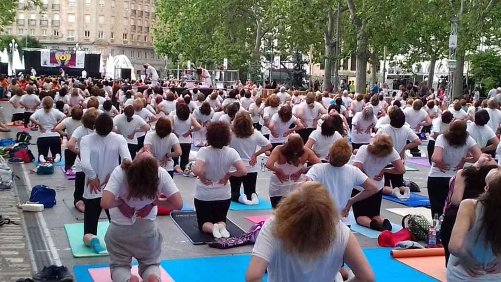 Celebración del día mundial de yoga