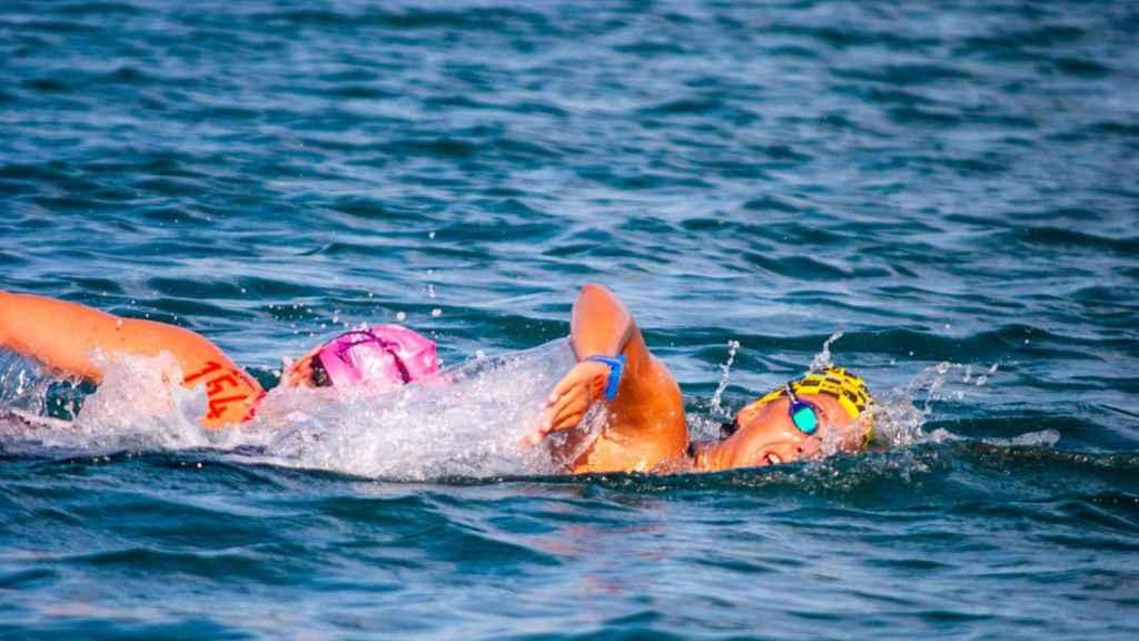 María de Valdés nadando en la Copa de España de aguas abiertas