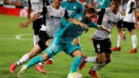 Luka Modric durante el Valencia - Real Madrid