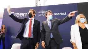 Pablo Casado y el presidente autonómico, Alfonso Fernández Mañueco, en la Convención nacional del Partido Popular