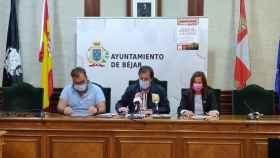 Jose Antonio Sanchez, José María Muñoz y Patricia Valle presentan la VII Ruta de los Emperadores
