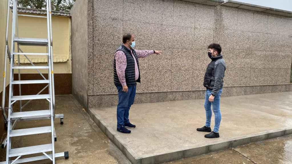 El alcalde Roberto Martín visita el cementerio