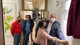 De Vicente inaugura el centro de usos múltiples de Tizneros