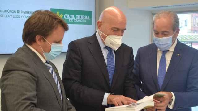 De izquierda a derecha, Ignacio Mucientes, Jesús Julio Carnero y Cipriano García