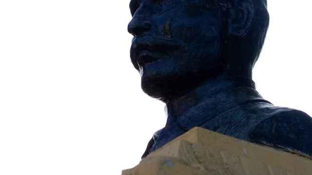 La estatua del doctor Castro antes de su rehabilitación