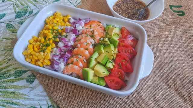 Poke de langostinos, receta e ideas para personalizar este plato hawaiano