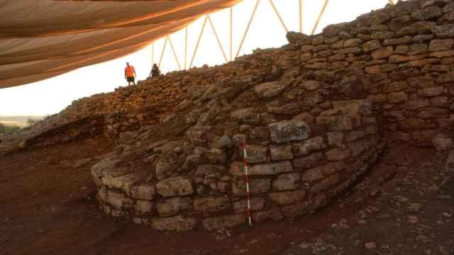 Vestigios de la muralla que defendía el poblado.