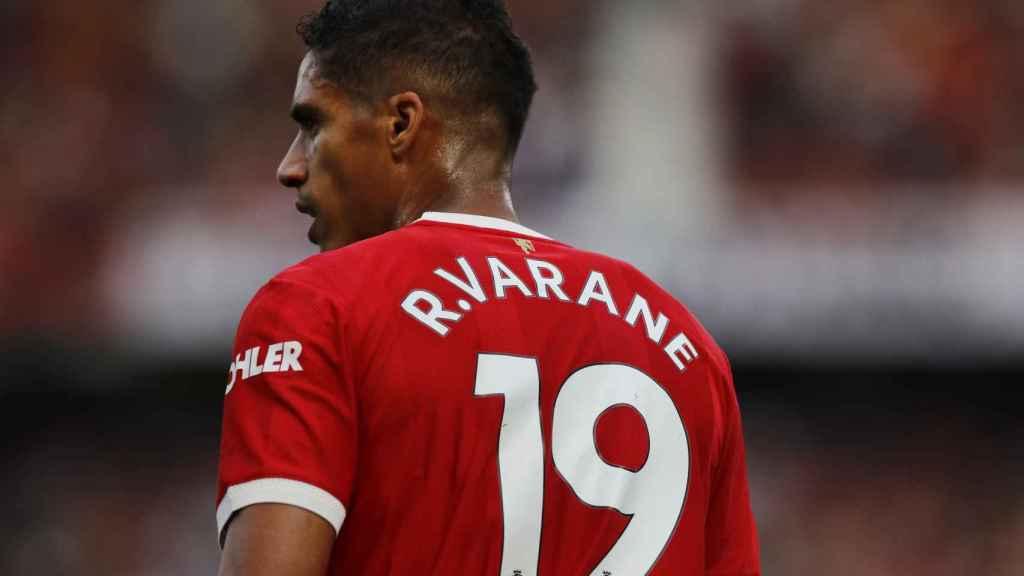 Raphaël Varane, en un partido del Manchester United en la temporada 2021/2022