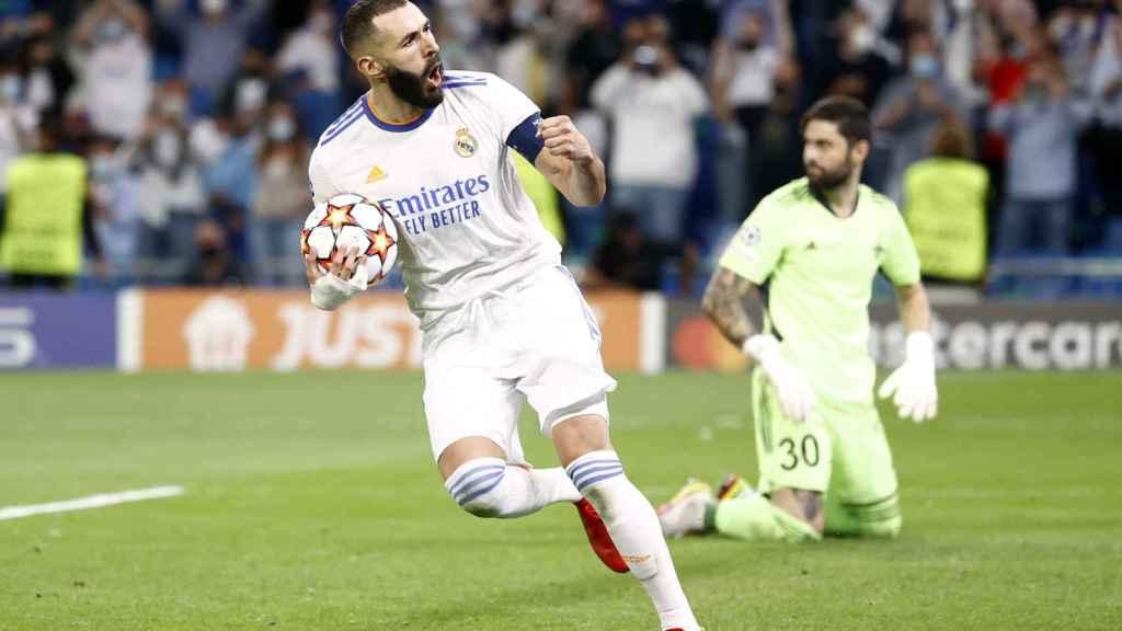 Karim Benzema celebra su gol al Sheriff