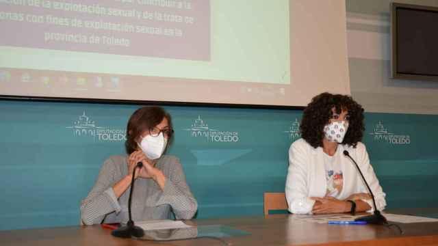 Ana Gómez, vicepresidenta de Educación de la Diputación de Toledo, y Lourdes Nieto, presidenta de Médicos del Mundo CLM