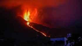 El volcán de Cumbre Vieja en erupción. EP