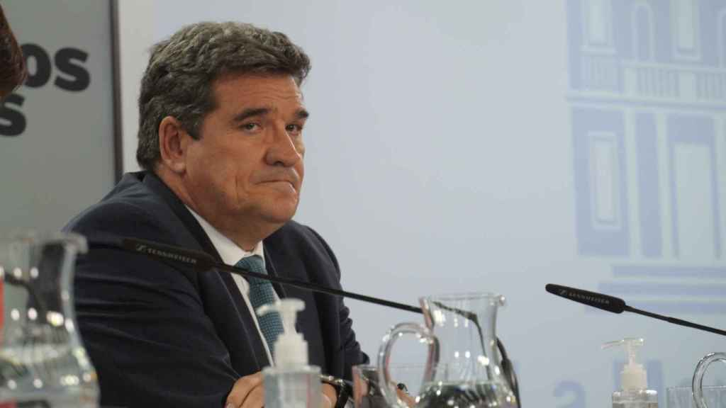 José Luis Escrivá, ministro de Inclusión, Seguridad Social y Migraciones, en la sala de prensa de Moncloa.