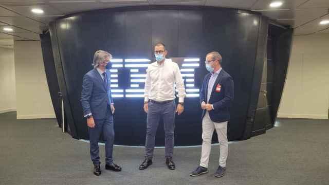 El consejero de Hacienda, Luis Alberto Marín, con el director general de IBM para España, Grecia, Portugal e Israel, Horacio Morell.