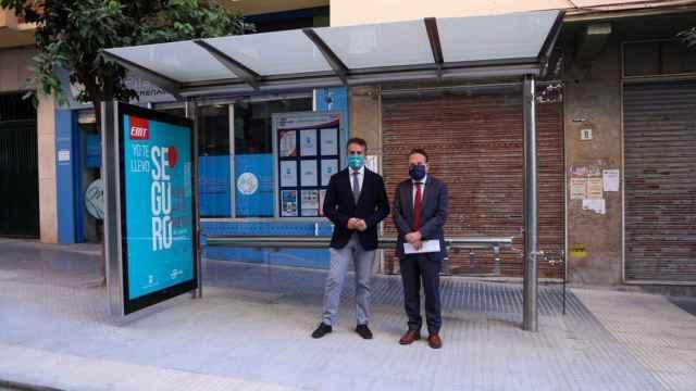 El concejal del Distrito Málaga Este de Málaga y el gerente de la Empresa Malagueña de Transportes (EMT).