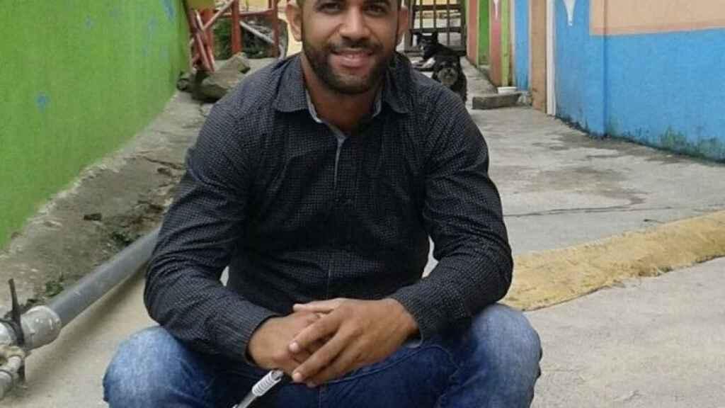 Ángel Rafael Cerdeño en su barrio de Caracas.