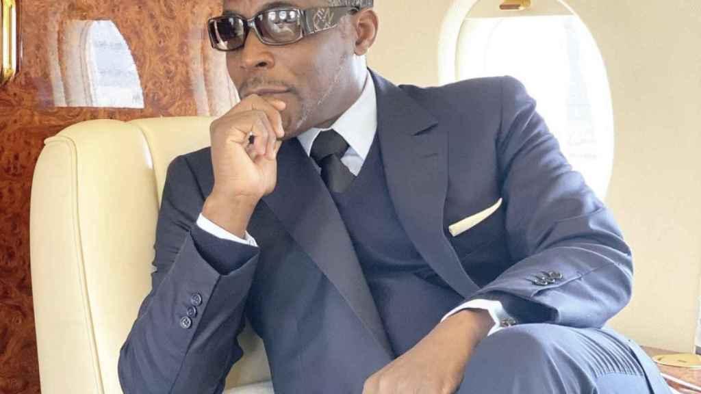 'Teodorín' Nguema Obiang, en avión privado. Fotos de sus redes sociales, donde comparte imágenes de su lujoso estilo de vida.