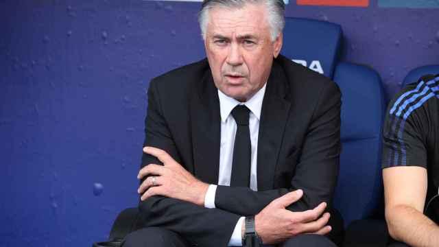 Carlo Ancelotti, en el banquillo del RCDE Stadium