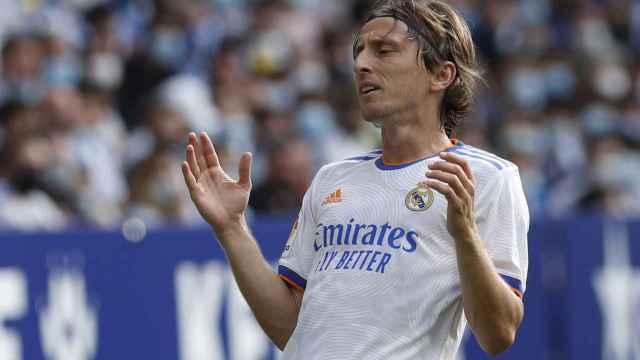 Luka Modric se lamenta por una ocasión fallada