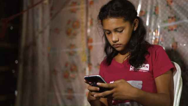 Vídeo campaña 'The Truth Gap: (Des)informadas online' de Plan Internacional