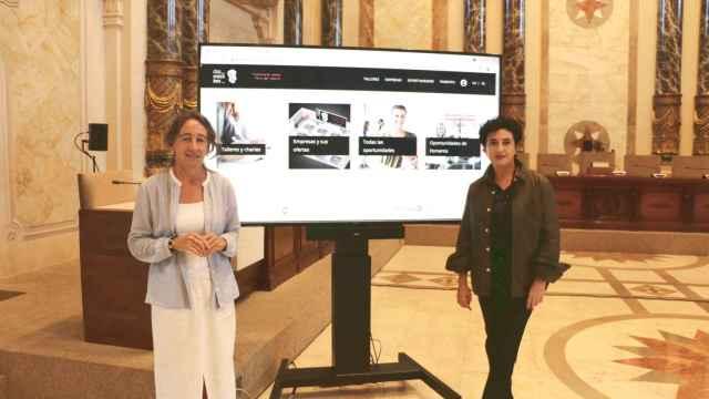 La concejala Marisol Garmendia (izquierda), durante la presentación del evento.